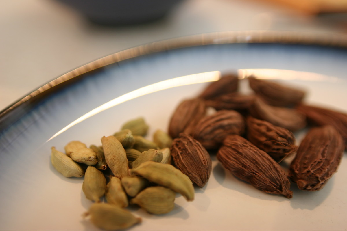 The Nutritional and Health Benefits of Cardamom or Elaichi