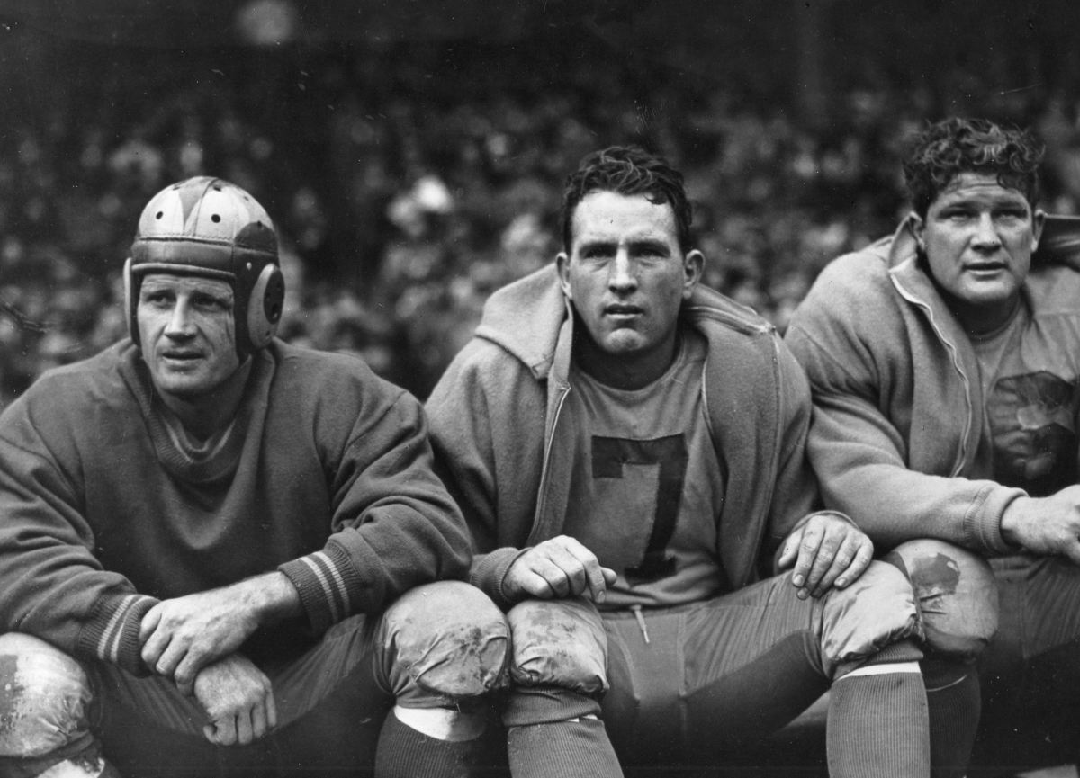 Jack Banta, Bob Watterfield, and Bob Hoffman played for the 1948 Los Angeles Rams.