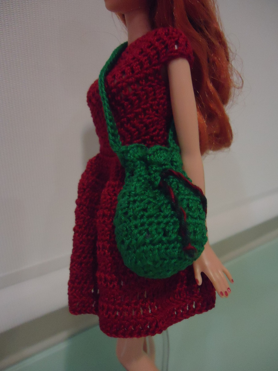 Barbie Bikini Drawstring Bag (Free Crochet Pattern)