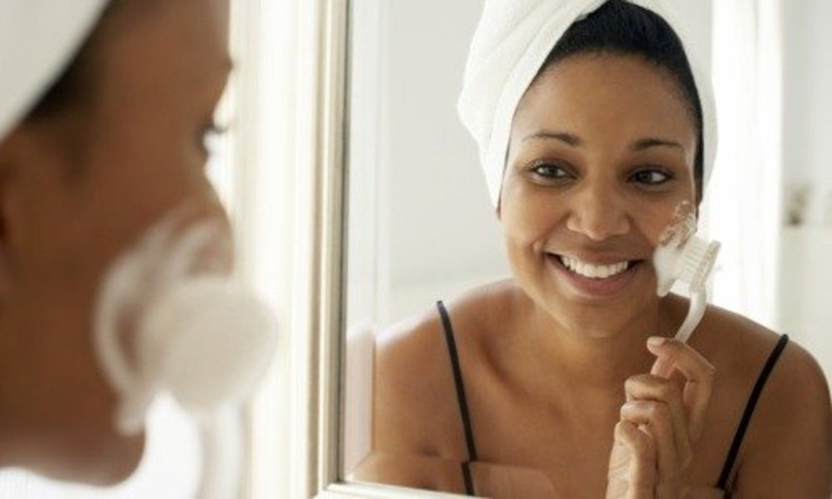 Facial Brush Benefits: Essential in a Skin Care Routine?