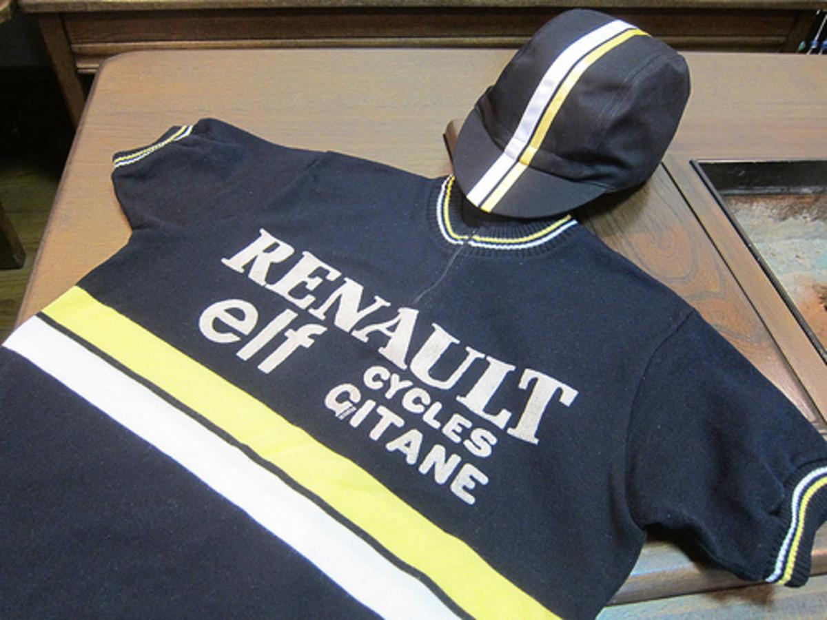 A Tour De France classic cycling jersey- Renault- Elf- Cycles Gitane