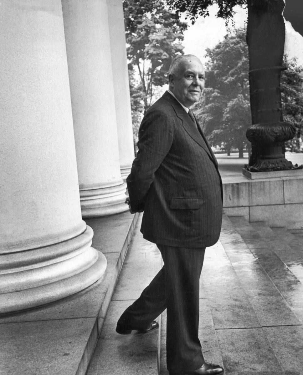 Wallace Stevens—An Emperor of Poetry?