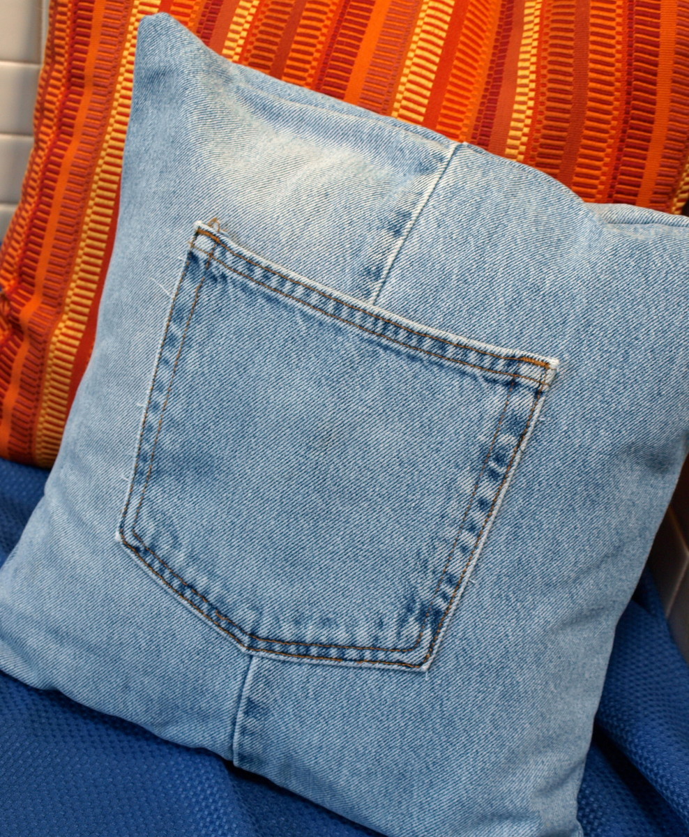 How to make a throw pillow cover with recycled jeans for Creative reclaimed denim sofa covers