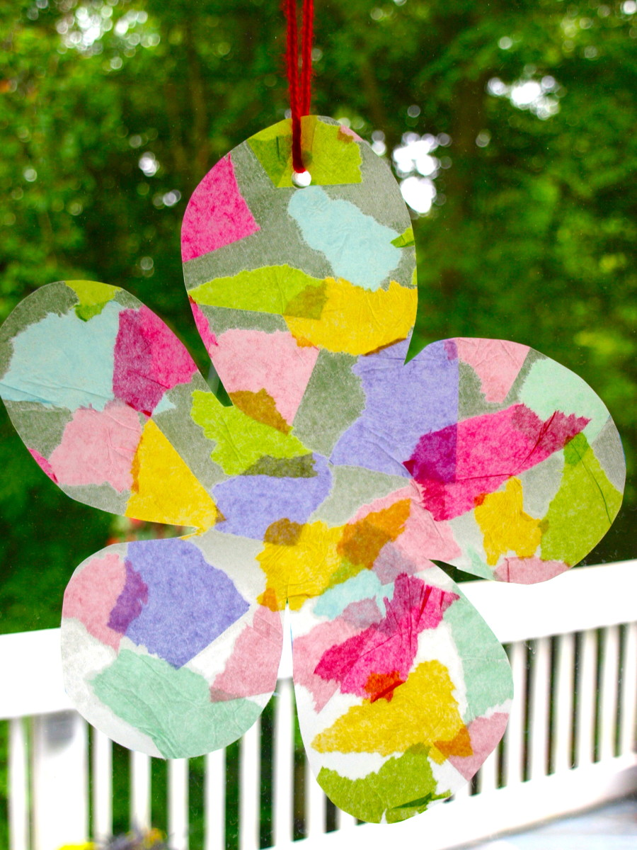 Easy suncatcher project for toddlers