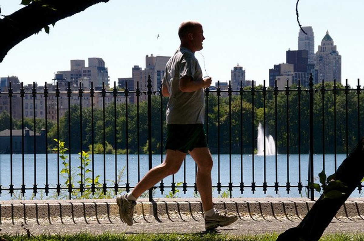 Five Best Running Shoes for Big, Heavy Men   Support, Comfort and Stability