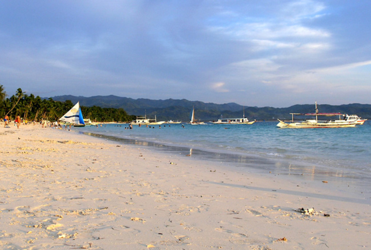 best places to spend your vacation in the  boracay island