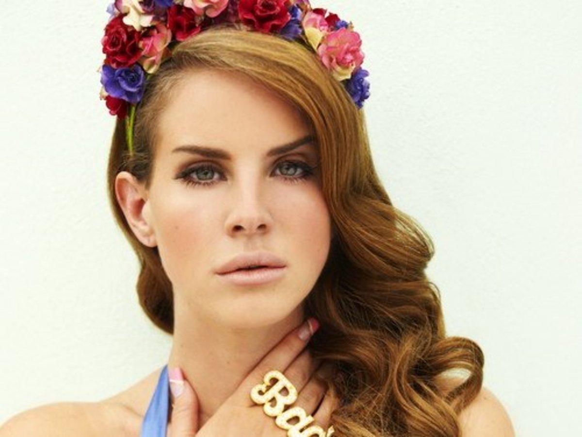 Get Lana Del Rey's Look