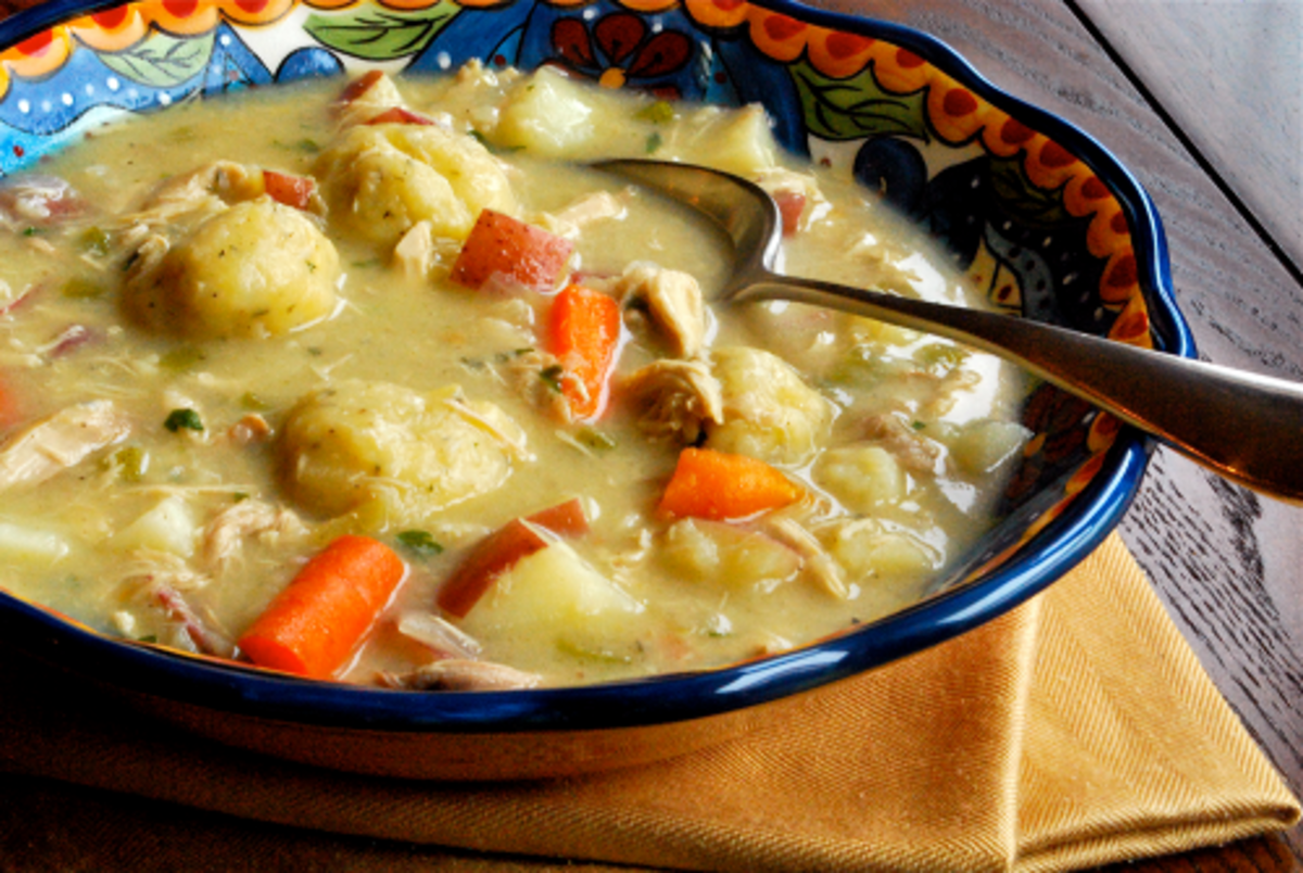 Crock pot chicken and dumplings delishably besides the ease of cooking the meal one of the greatest things about using a crock pot is the smells which flood through the home forumfinder Images