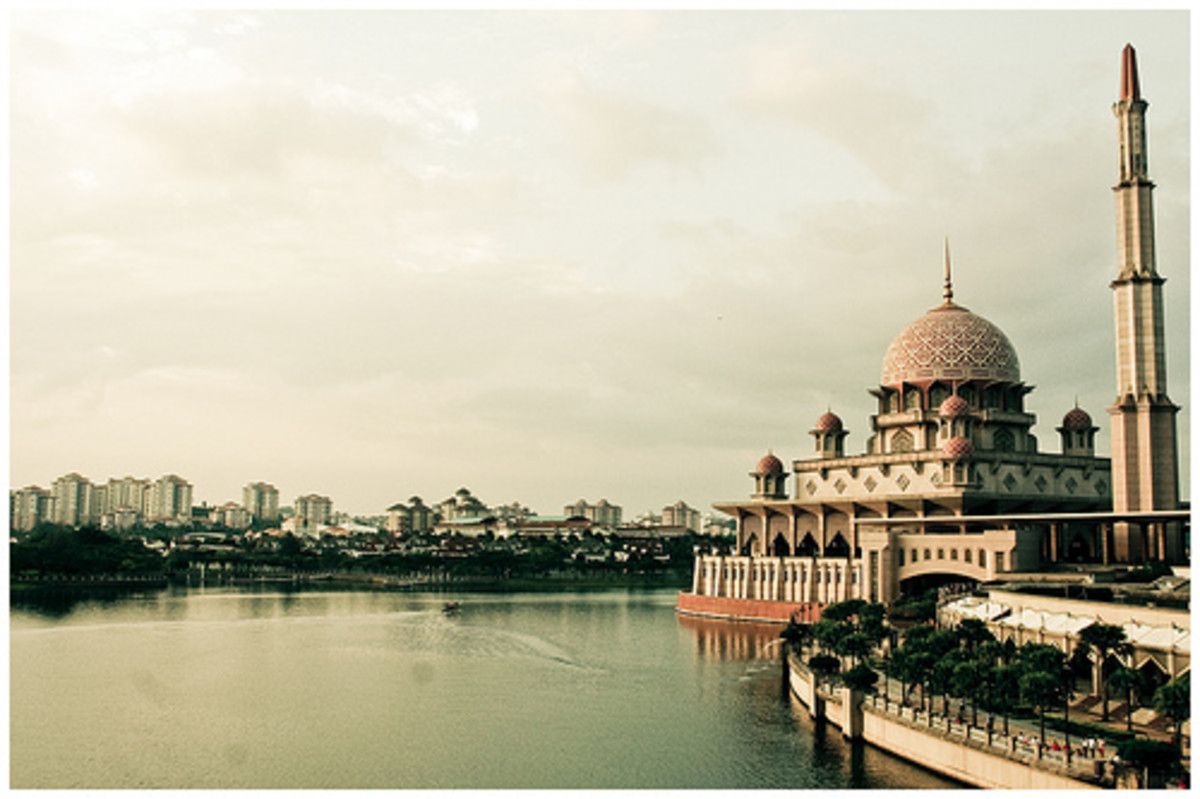 Putra Mosque by the banks of Putrajaya Lake