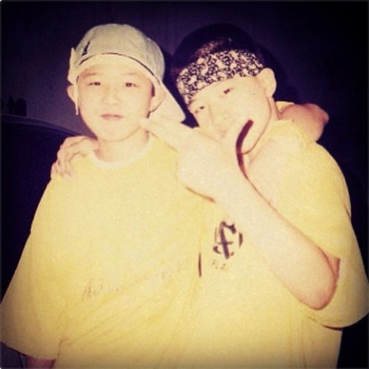 Childhood photo of GD and Taeyang. GD posted this photo on his Twitter when he greeted Taeyang a happy birthday