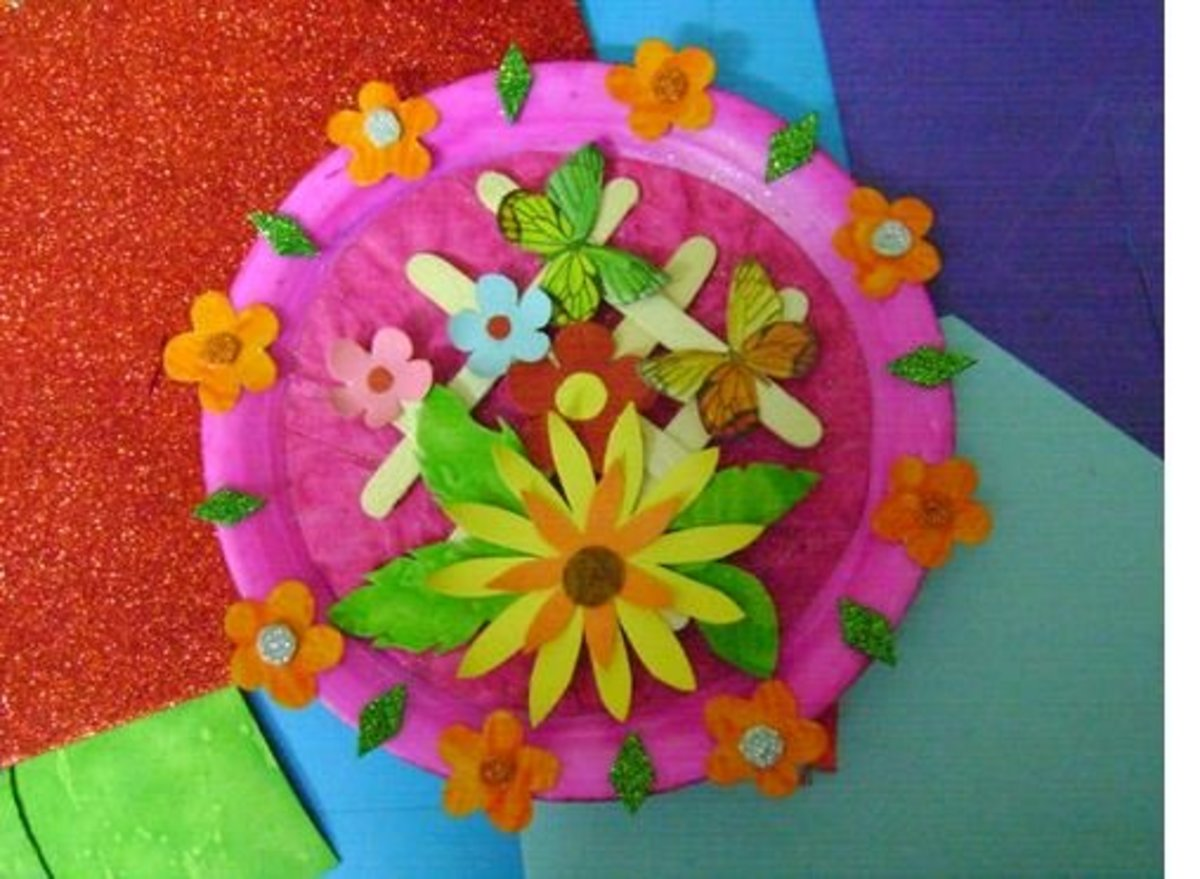 Best out of waste a beautiful wall piece using a paper plate for Best out of waste items