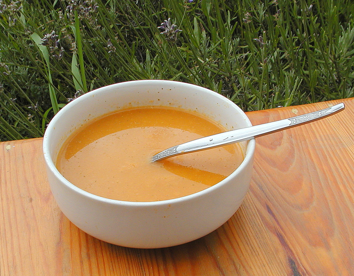 Spicy Tomato, Carrot, Celery, and Apple Soup