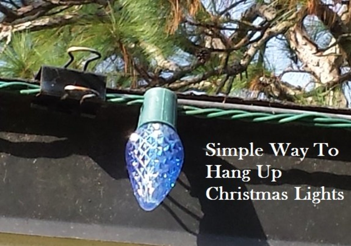 The Simple Way to Hang up Christmas Holiday Lights Outside