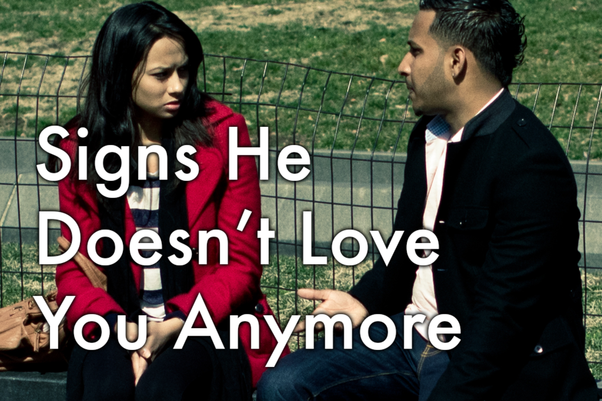 13 Signs That He Doesn't Love You Anymore