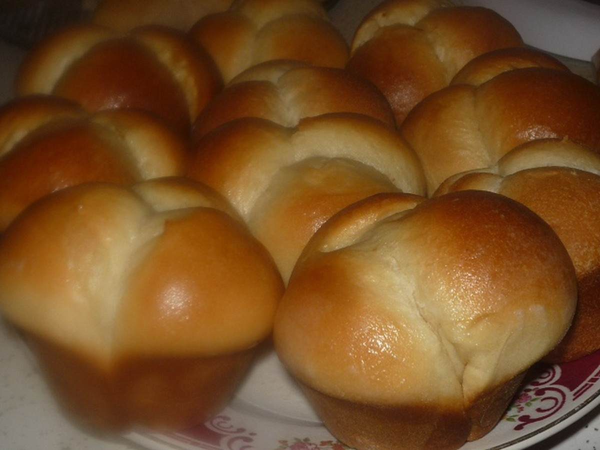 Beautiful Cloverleaf Rolls straight from the oven.