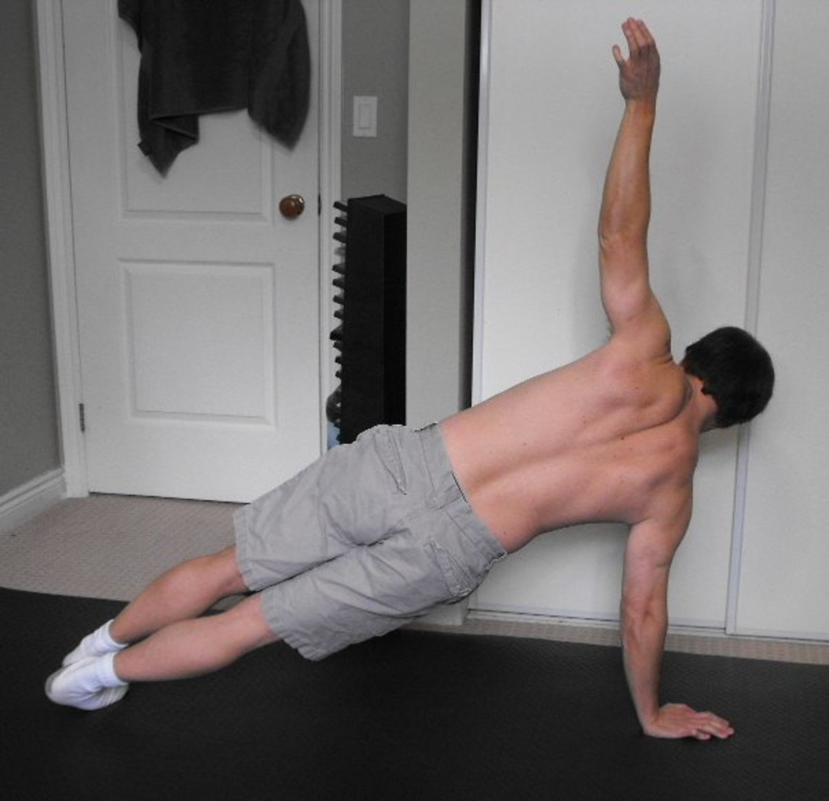 Quick Workout Ideas: One Minute Exercises to Build Muscle at