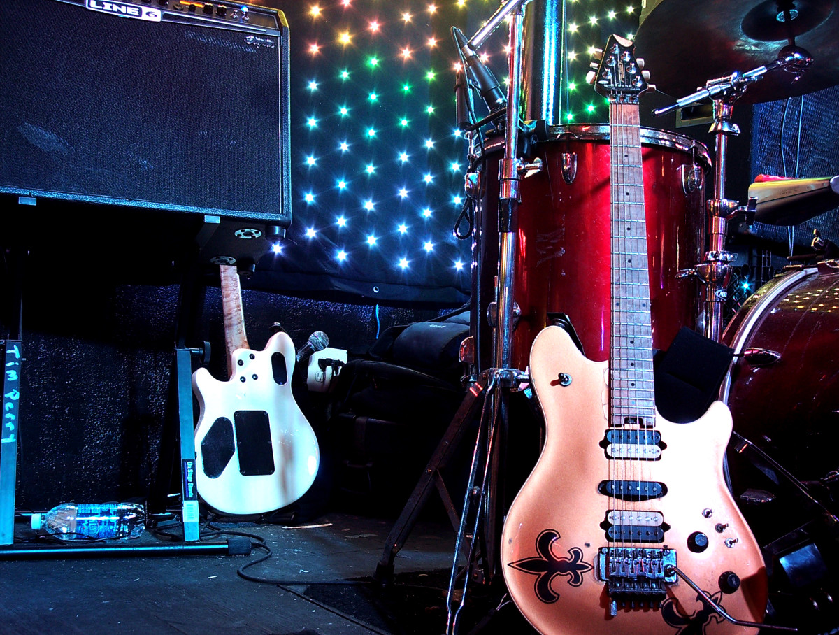 Top 5 Best Live Rock Music Clubs and Bars on Bourbon Street in New Orleans, Louisiana