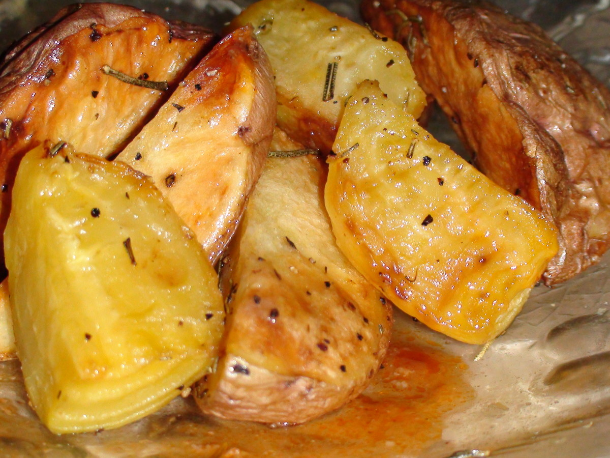 Healthy Roasted Golden Beets and Rosemary Potatoes Recipe