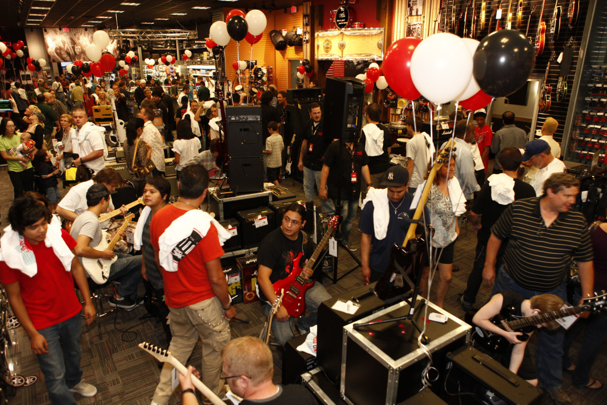 Common crowd at many Guitar Center locations