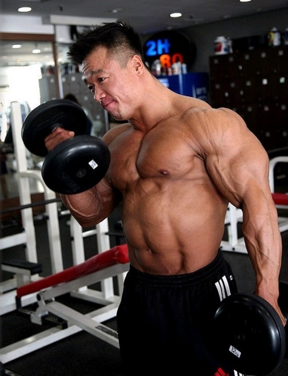Mr. Korea 2013 Bodybuilder Park Ki Seok's Weight Training