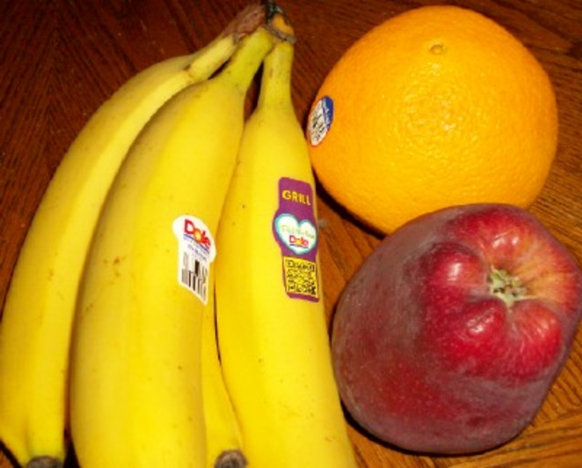 Eating lots of fruits is healthy and can help you lose weight.