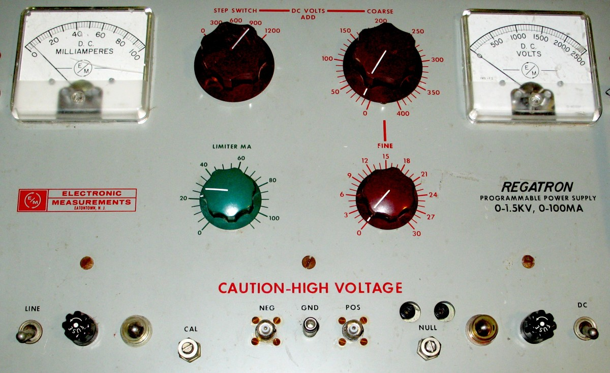 A high voltage power vacuum tube power supply. It is capable of supplying +/- 1500 Vdc with 0 - 100mA output.