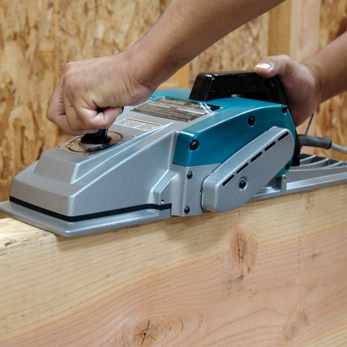 A Beginner's Guide to the Best Handheld Electric Planer