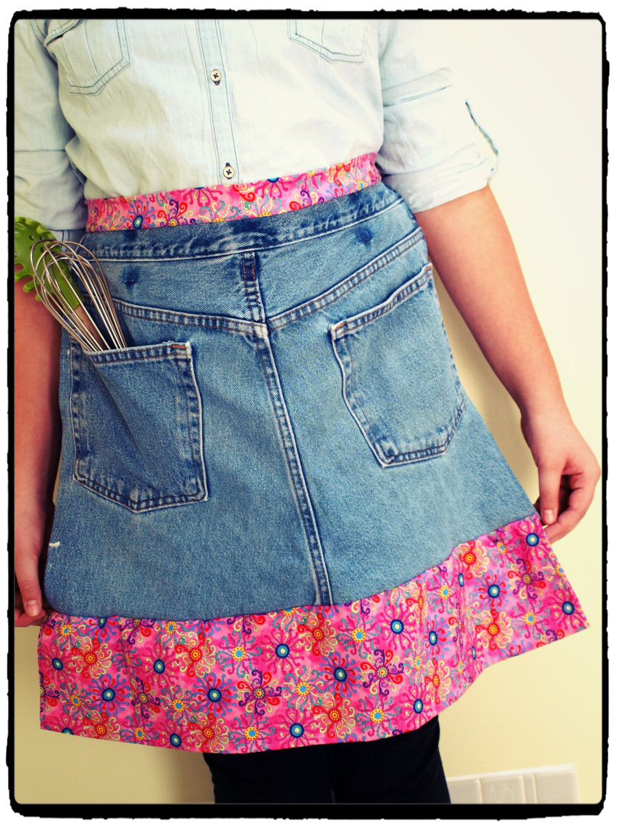 Upcycled denim apron tutorial.  So cute and easy!