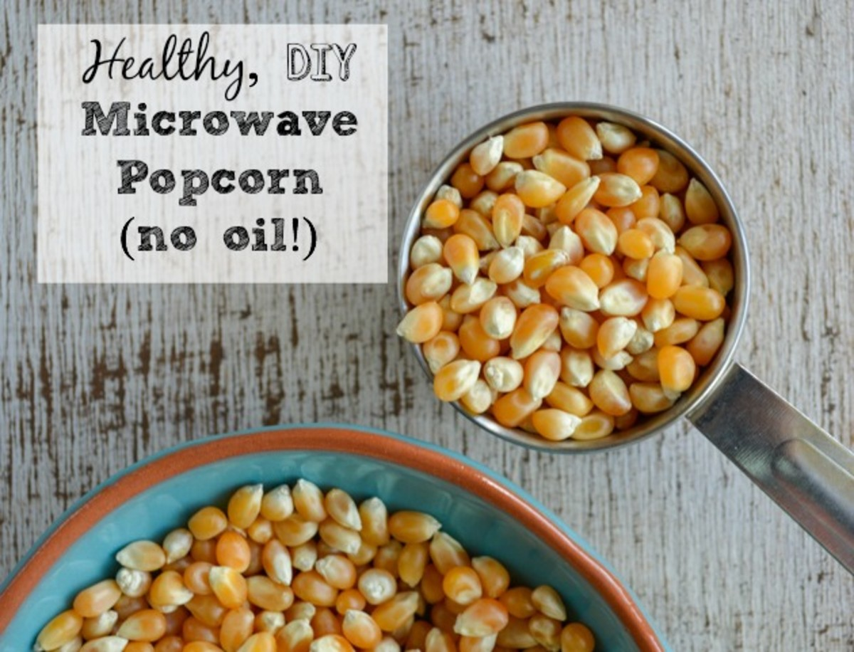 How to Make Microwave Popcorn Without a Bag (And No Oil!)
