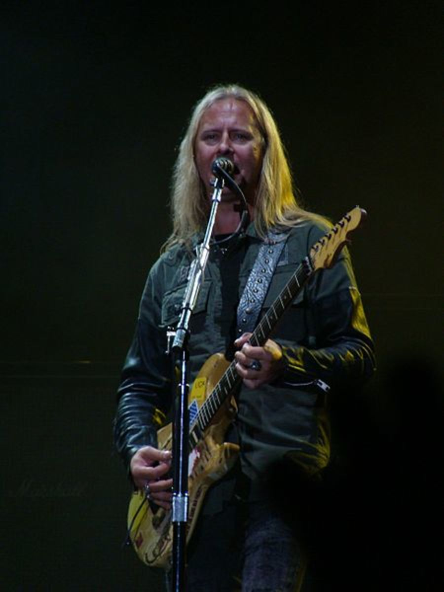 Jerry Cantrell of Alice in Chains is one of the best guitarists to emerge from the grunge era. (Image: Alberto Cabello  [CC-BY-2.0], via Wikimedia Commons)