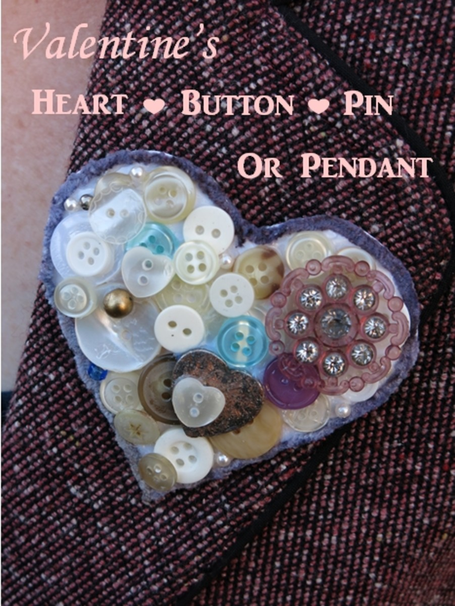 Heart-shaped button pin, brooch, or pendant