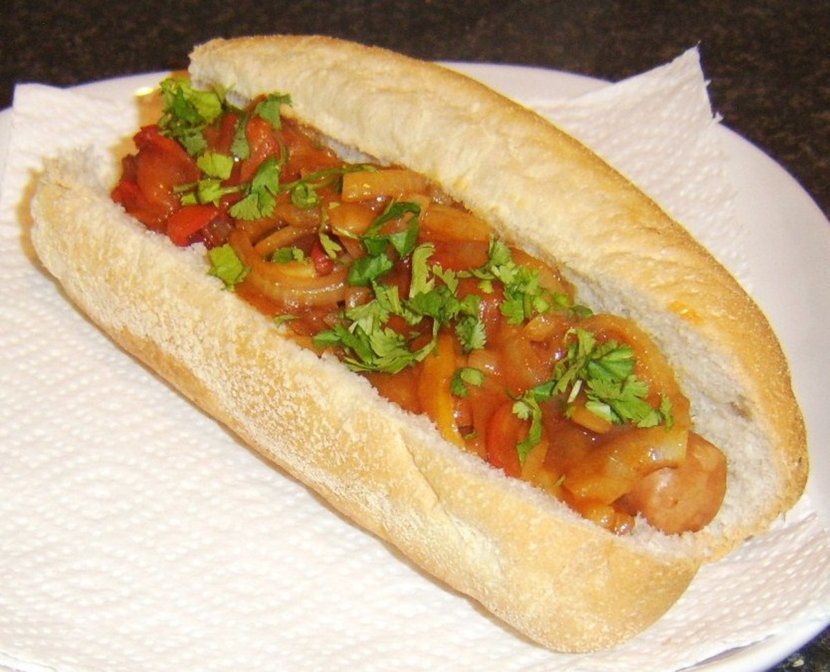 Sweet and sour peppers hot dog is one of the toppings ideas featured on this page