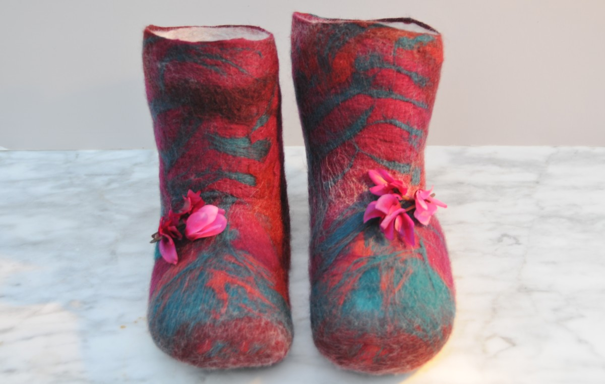 How to make Wet Felted Slippers using Duct Tape Shoe Lasts