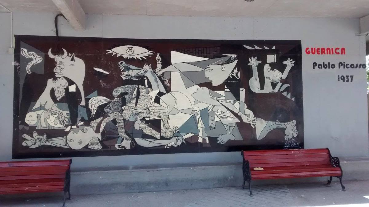 picassos guernica and uccellos battle of Guernica, a large black-and-white oil painting executed by spanish artist pablo  picasso in 1937 following the german bombing of guernica, a city in spain's.