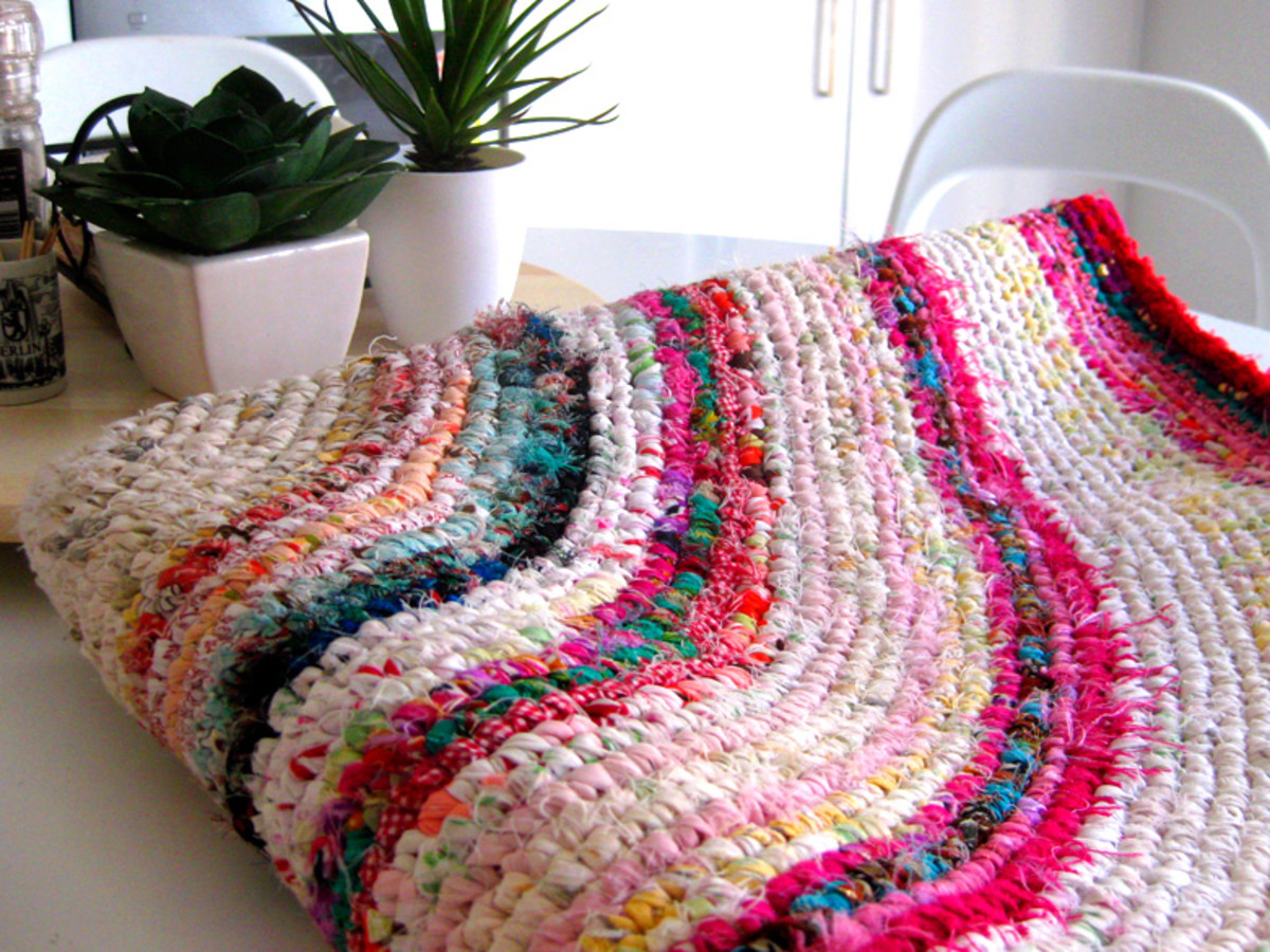 Crochet Rag Rug With Recycled Fabrics