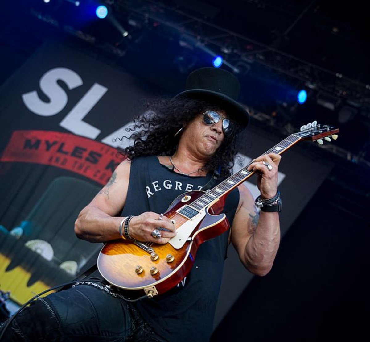 Slash and his Gibson Les Paul