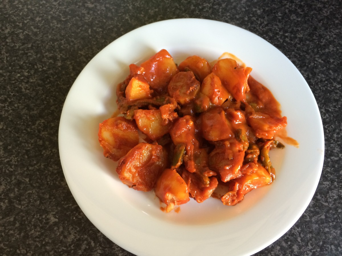 My Greek Grandma's Recipes: Potatoes in Tomato Sauce