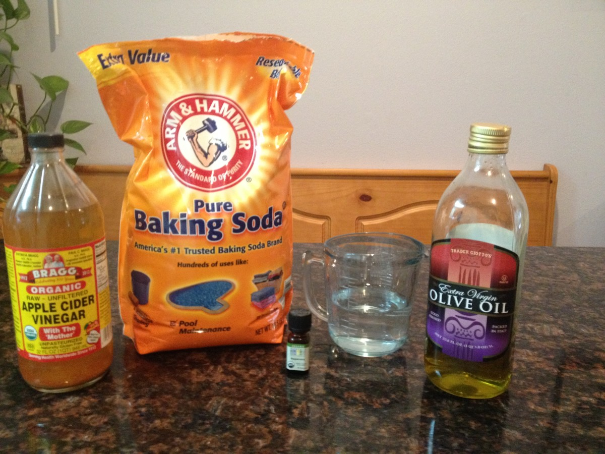 Ingredients for baking soda DIY shampoo