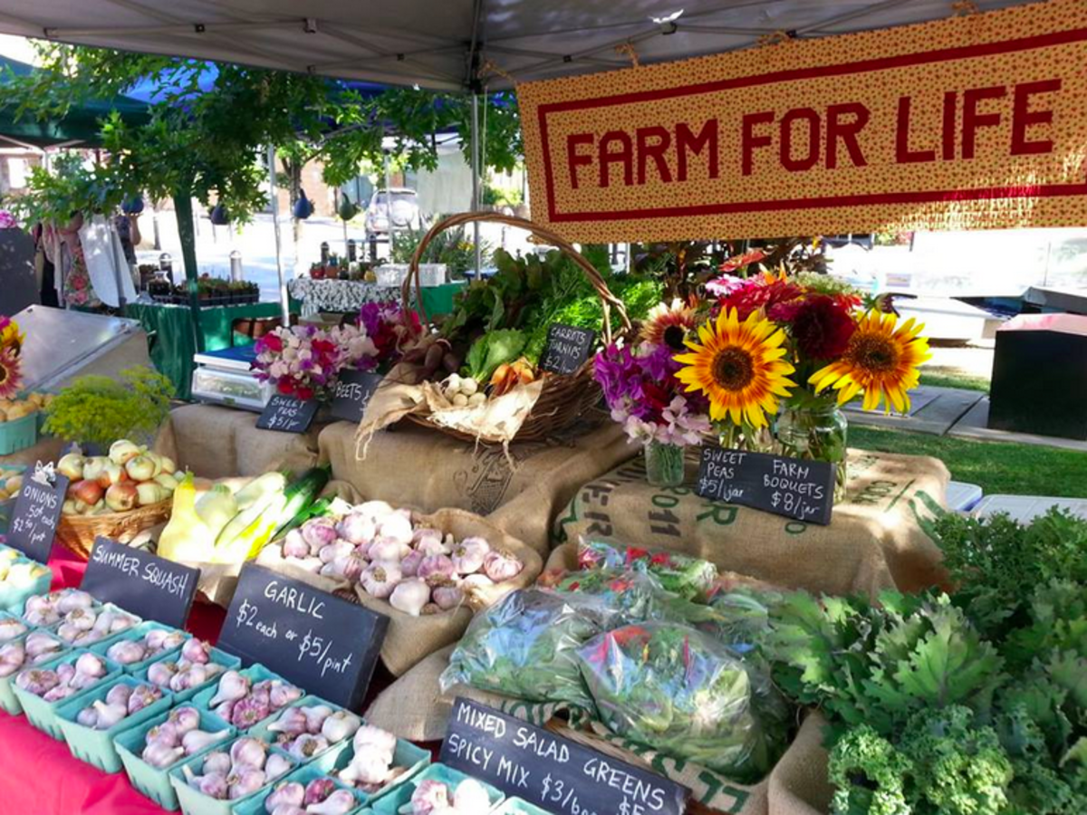 5 Ideas for Creating a Successful Farmers' Market Stand
