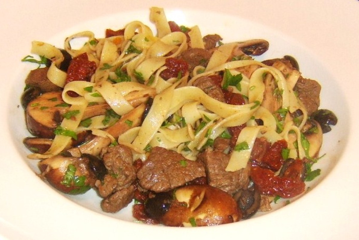 Venison tagliatelle with chestnut mushrooms, sun dried tomatoes and garlic