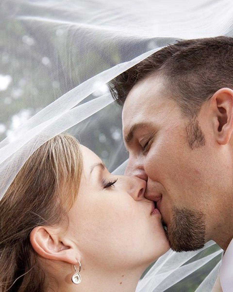 Women kissing lick