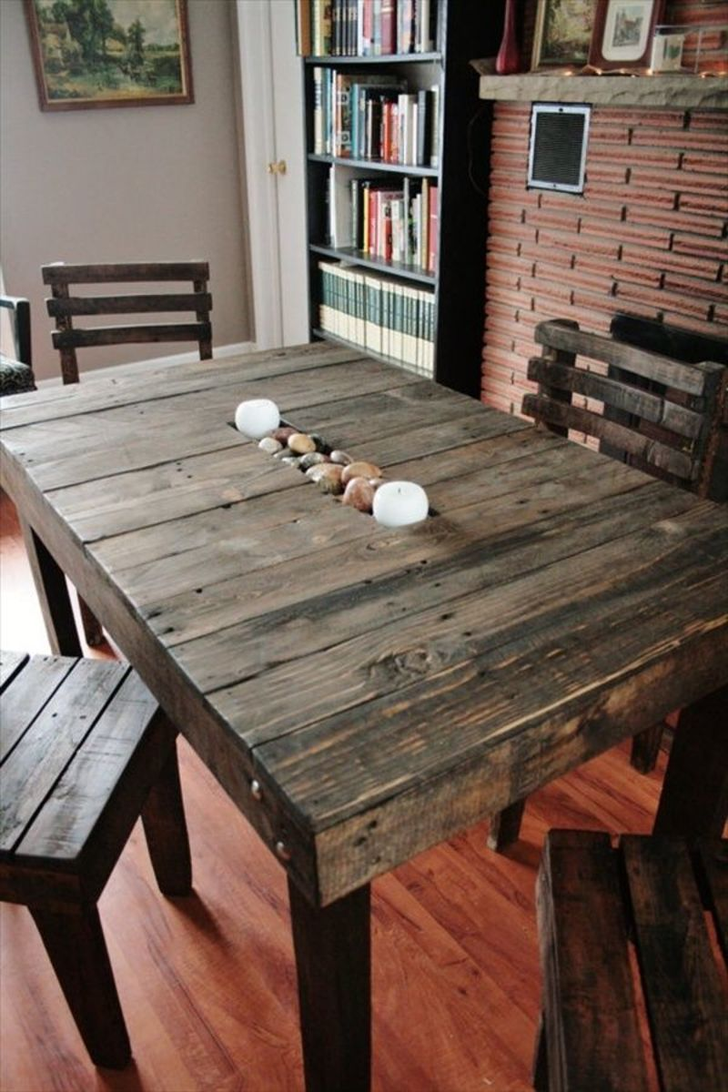 If You Are Considering Using Wooden Pallets To Make Furniture Here Some Easy And Inexpensive Diy Pallet Ideas