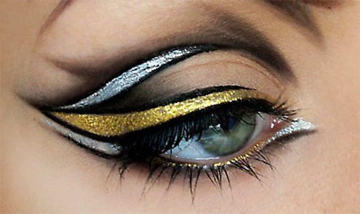 Eyeliner 101: How to Apply Eyeliner for Beginners