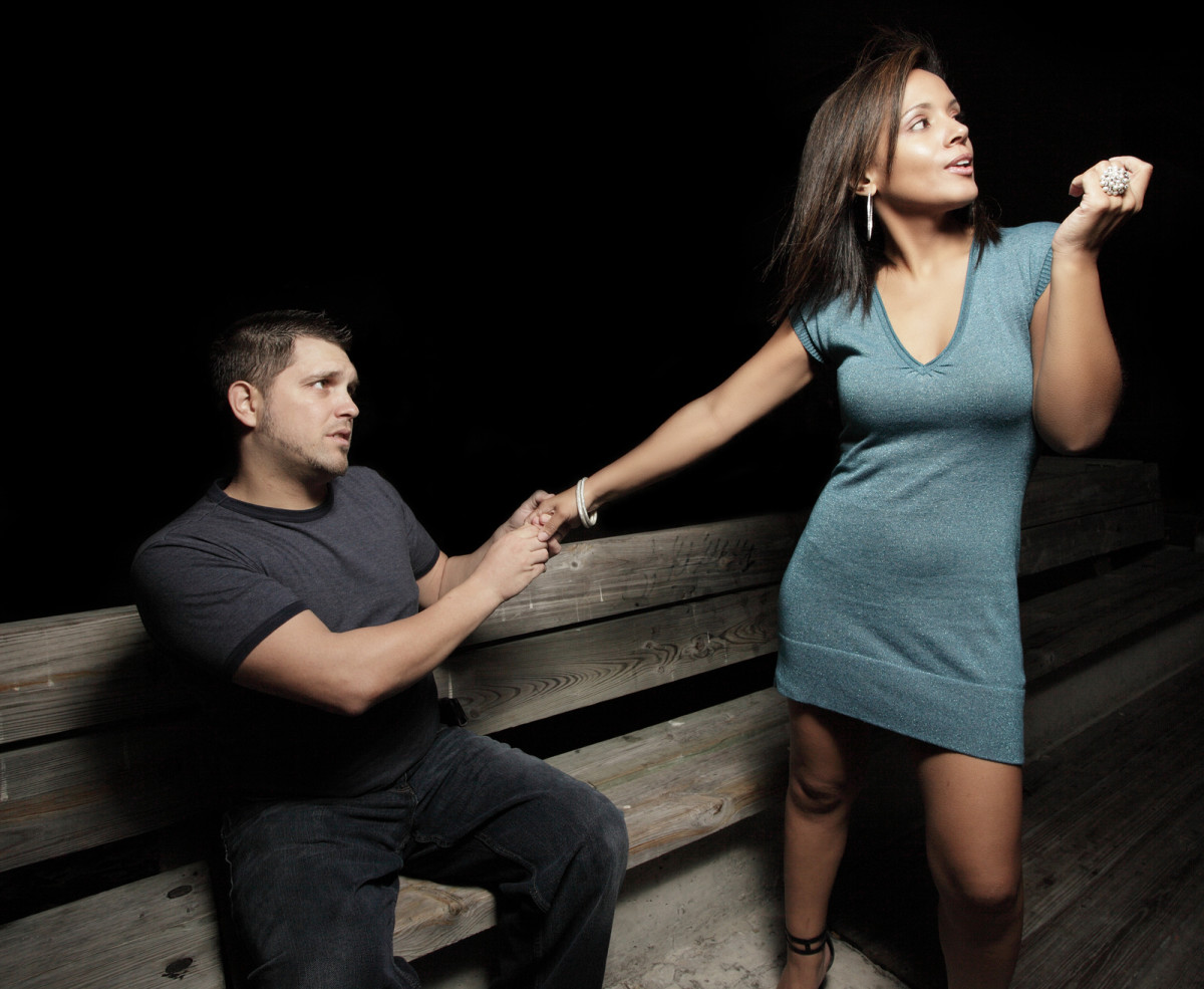 Women see low self-confidence in needy men - That's not attractive!