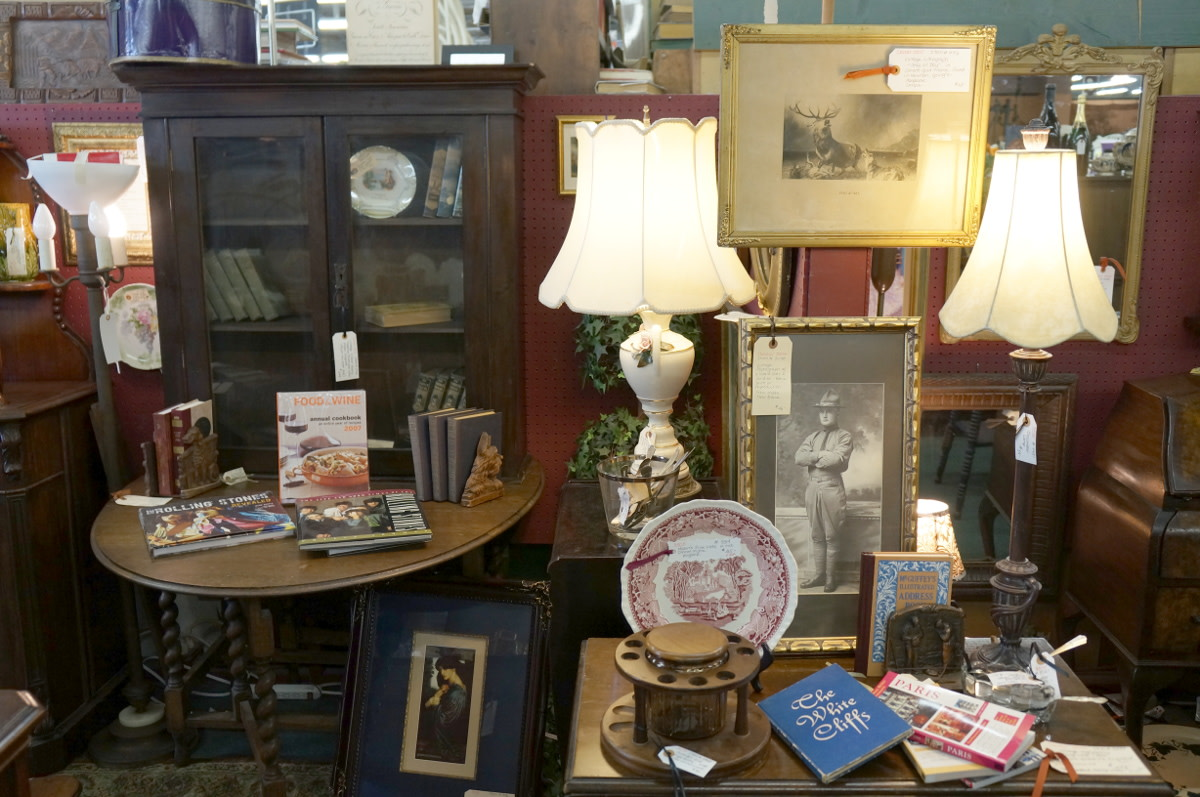 An antique display in an antique mall.