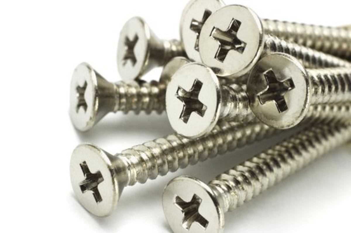 When To Use Stainless Steel Vs Galvanized Zinc Screws For