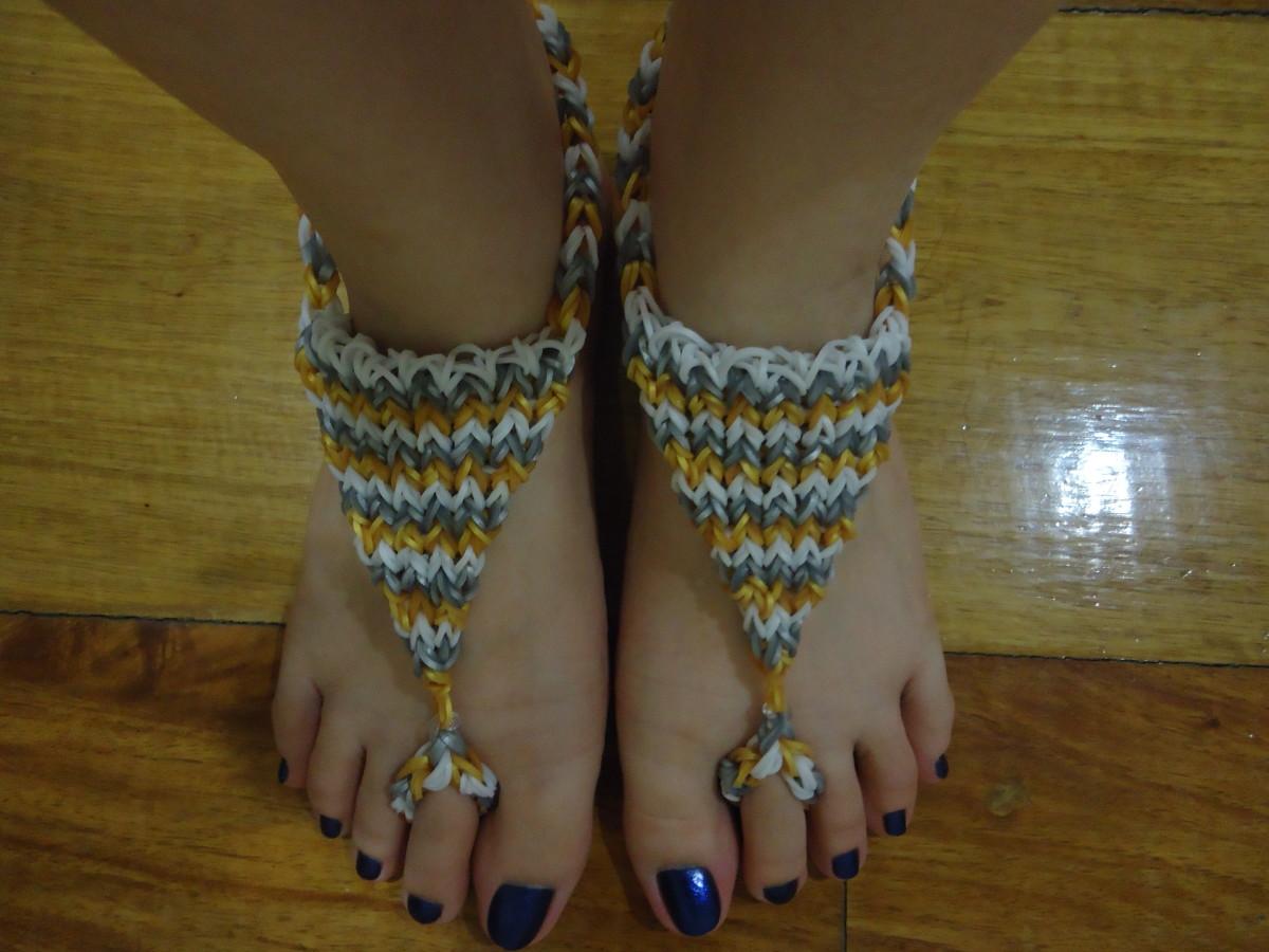 Rainbow Loom Triangle Barefoot Sandals