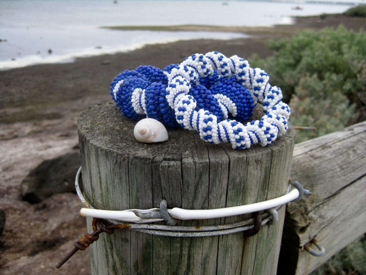 How To Make A Cellini Spiral Bracelet - Free Patterns And Tutorial