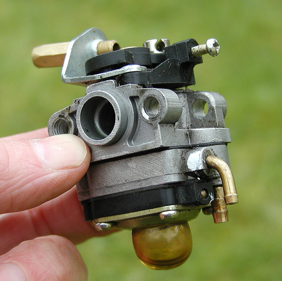 Two-stroke carburetor.