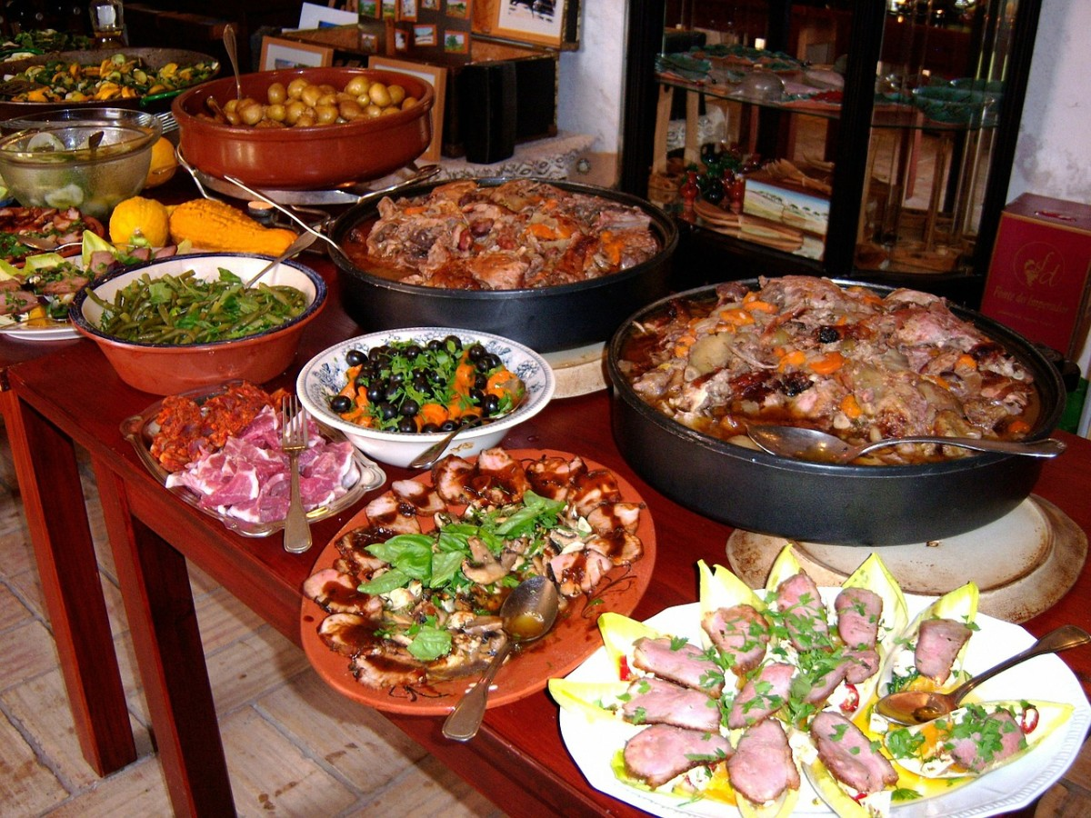Potlucks are a fantastic way to cut back on the cost of a big social gathering. Plus, when everyone pitches in to help out with the cooking, you're sure to have a tasty and bountiful buffet table!